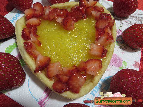 Crostatine fragole e lemon curd