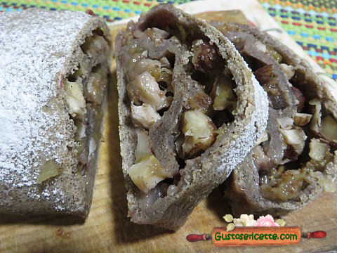 Strudel fichi freschi quinoa nera e nocciole