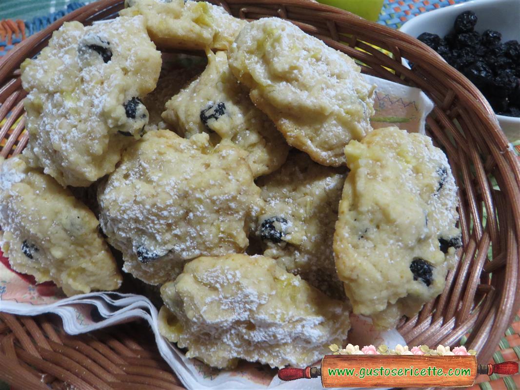 Biscotti alle mele e bacche e di aronia