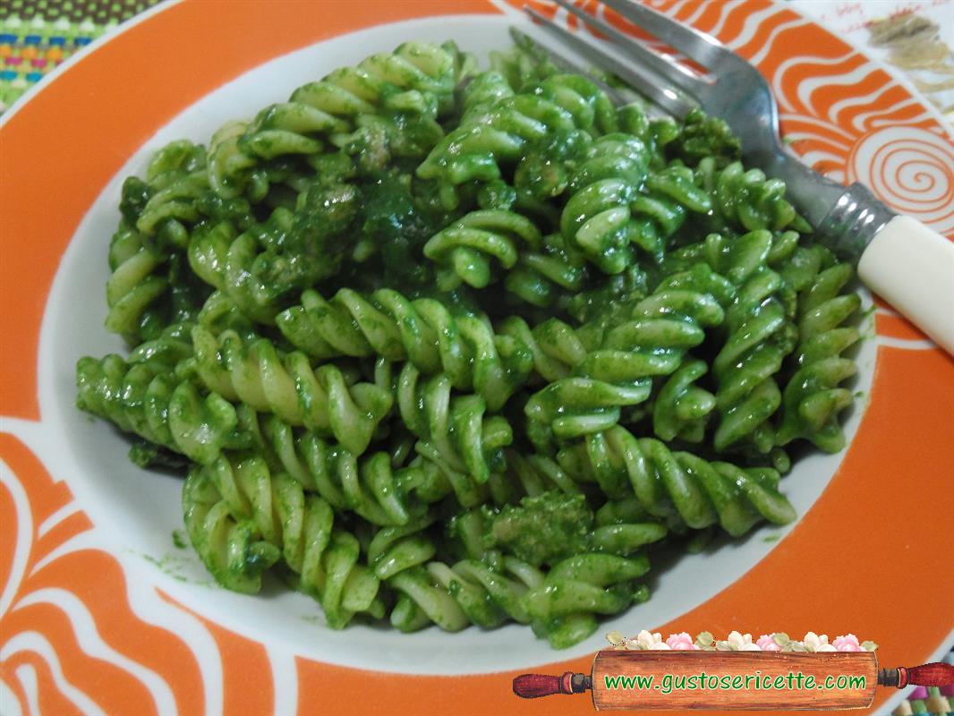 Fusilli salsiccia e spinaci